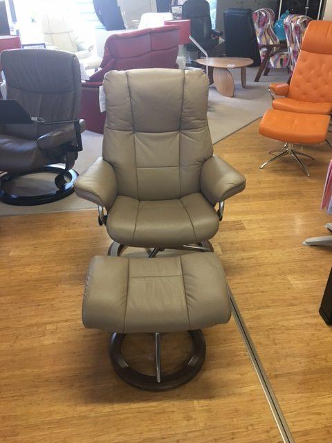 Clearance Stressless Mayfair Medium Chair + Stool